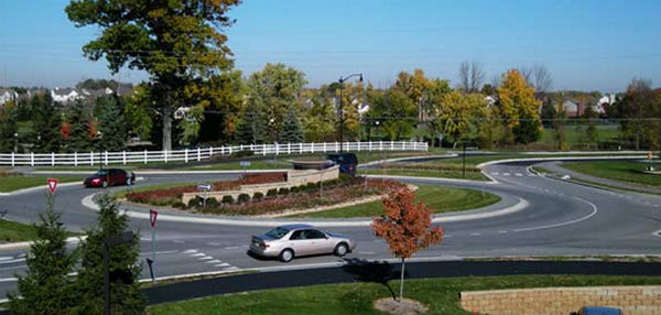 Roundabout at Main St. and Illinois St. in the fall